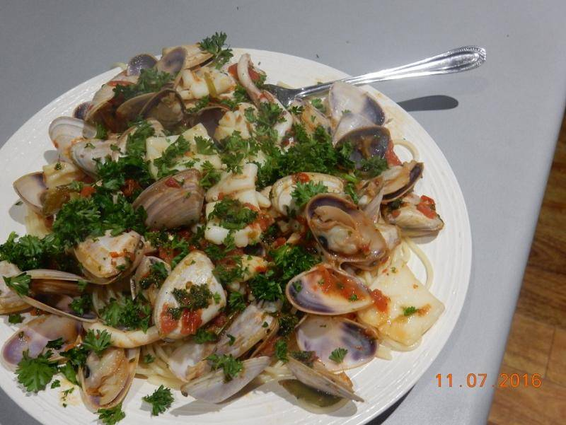 COCKLE and SQUID in PASTA 001.JPG
