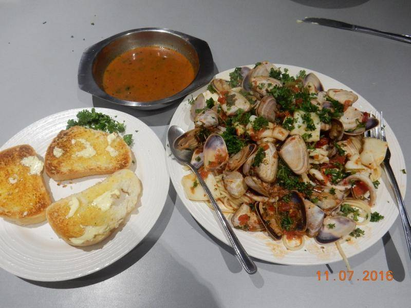 COCKLE and SQUID in PASTA 003.JPG
