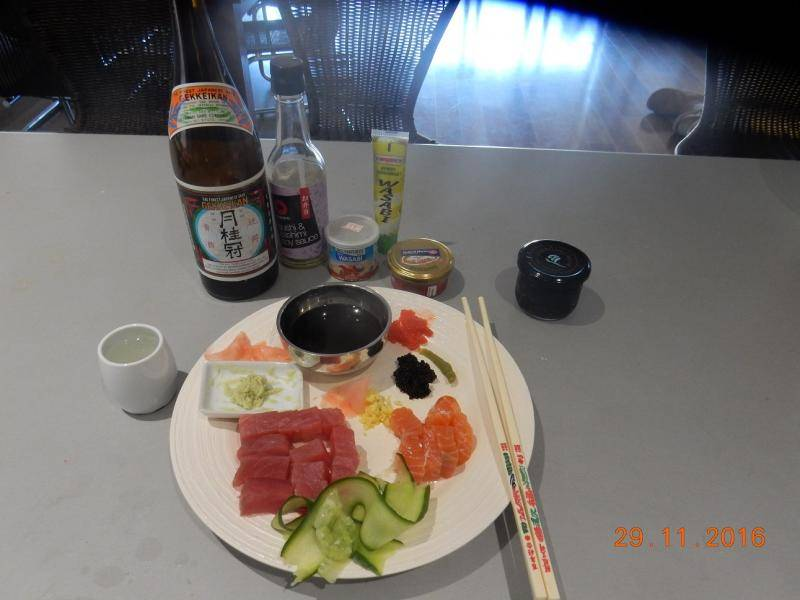 Sashimi Meal Tonight 001.JPG